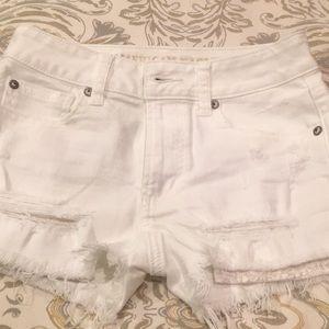 New American eagle juniors 00 white denim shorts
